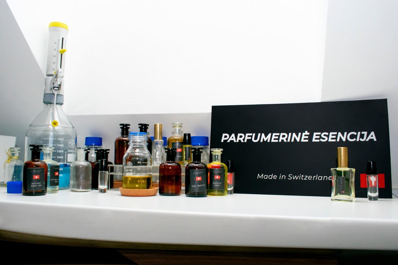 Parfumerinė esencija - laboratorija